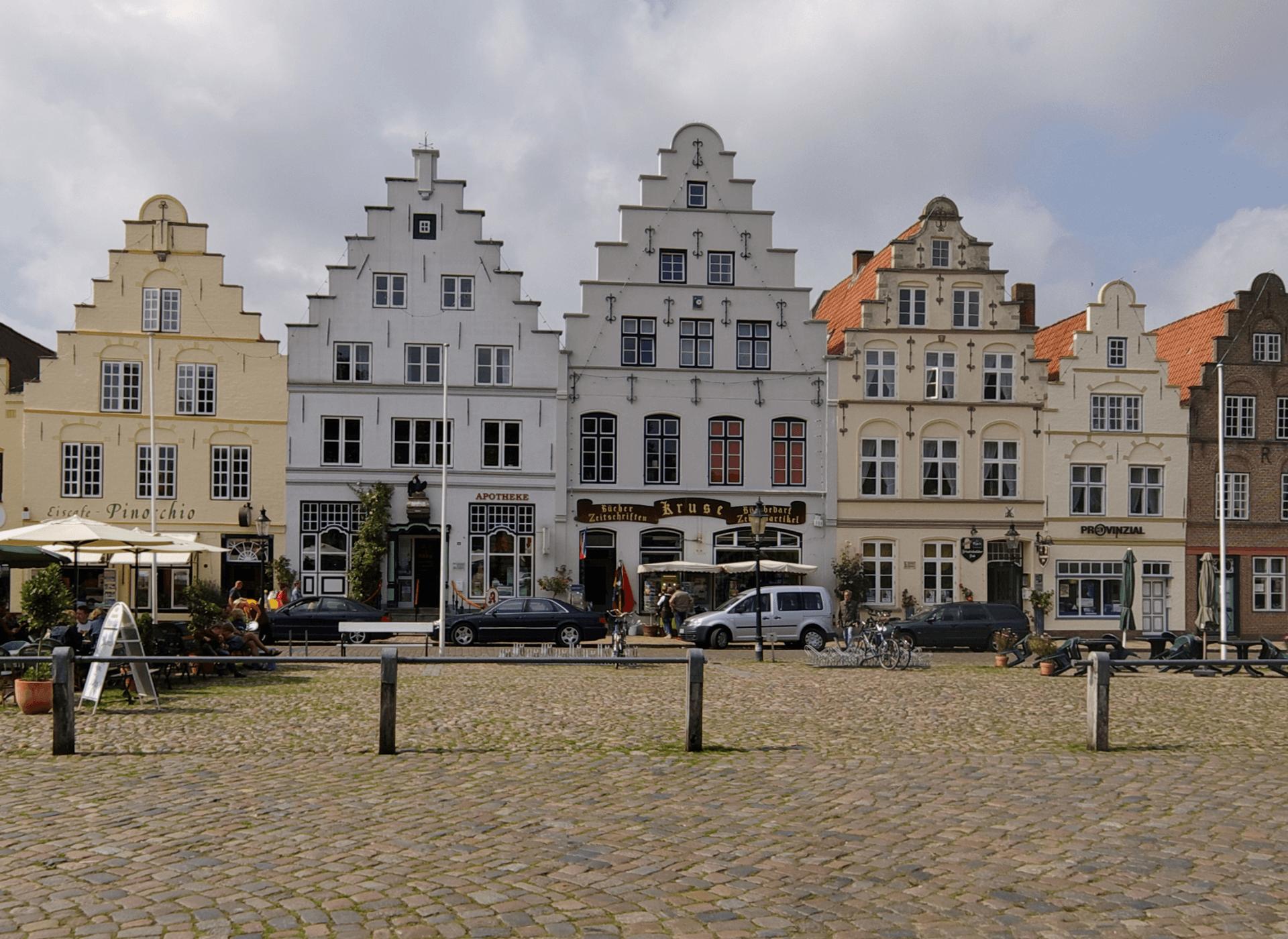 Treppengiebelhäuser am Markt Friedrichstadt